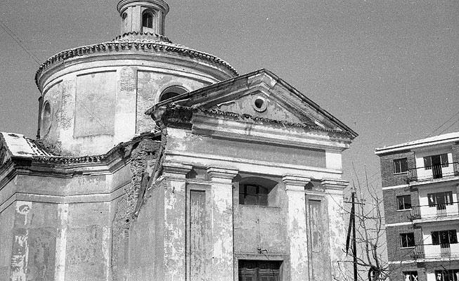 Ermita de Ventura Rodriguez en los años cuarenta. / J. Calles