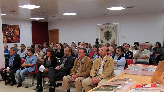 Público asistente a las I Jornadas de Investigación Histórica Local «Luis García Montes». / ABC