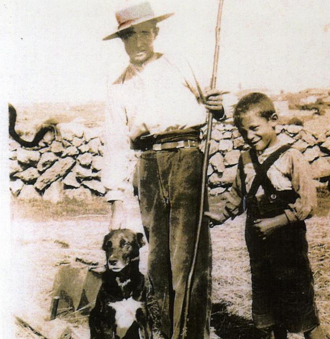Una de las fotos más antiguas que Herminio conserva.