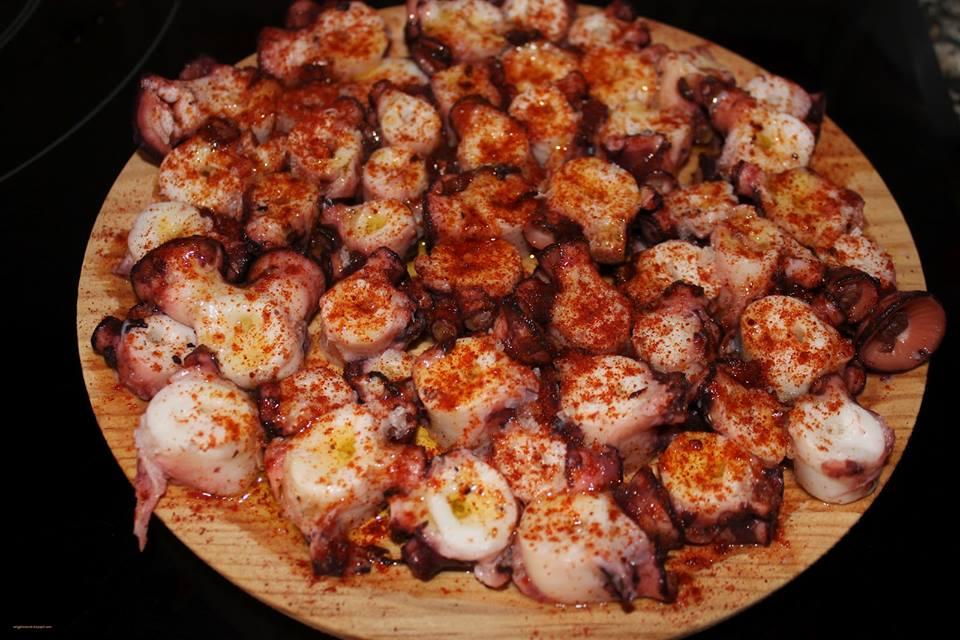 El pulpo a feira y las meigas de san froil n for Pataka bano food mat