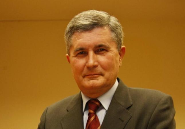 JUAN GONZÁLEZ CASTAÑO, CRONISTA OFICIAL DE MULA, INAUGURA EL CURSO DE LA ACADEMIA ALFONSO X DE MURCIA - juan-gonzalez