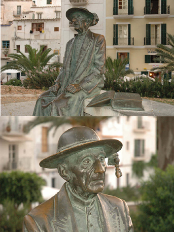 IBIZA. Detalles del monumento a Isidoro Macabich, Cronista Oficial de Ibiza. Obra de Francisco López.