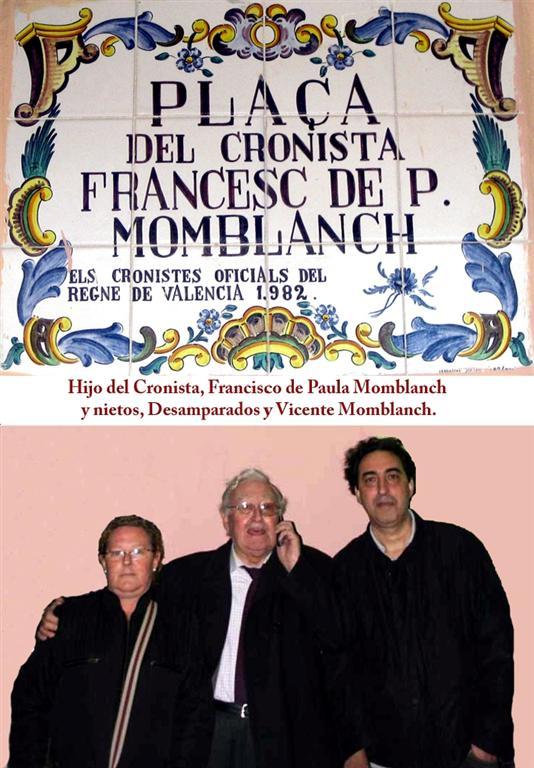 Arriba: Placa cerámica de Manises de la Plaza Cronista Momblanch y Gonzálbez. Abajo: familiares. / FOTOS: J. Martí Coronado y J.L. Lindo