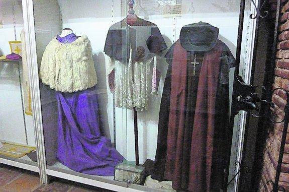 Vestuario del padre Francisco en la iglesia del convento de Massamagrell.