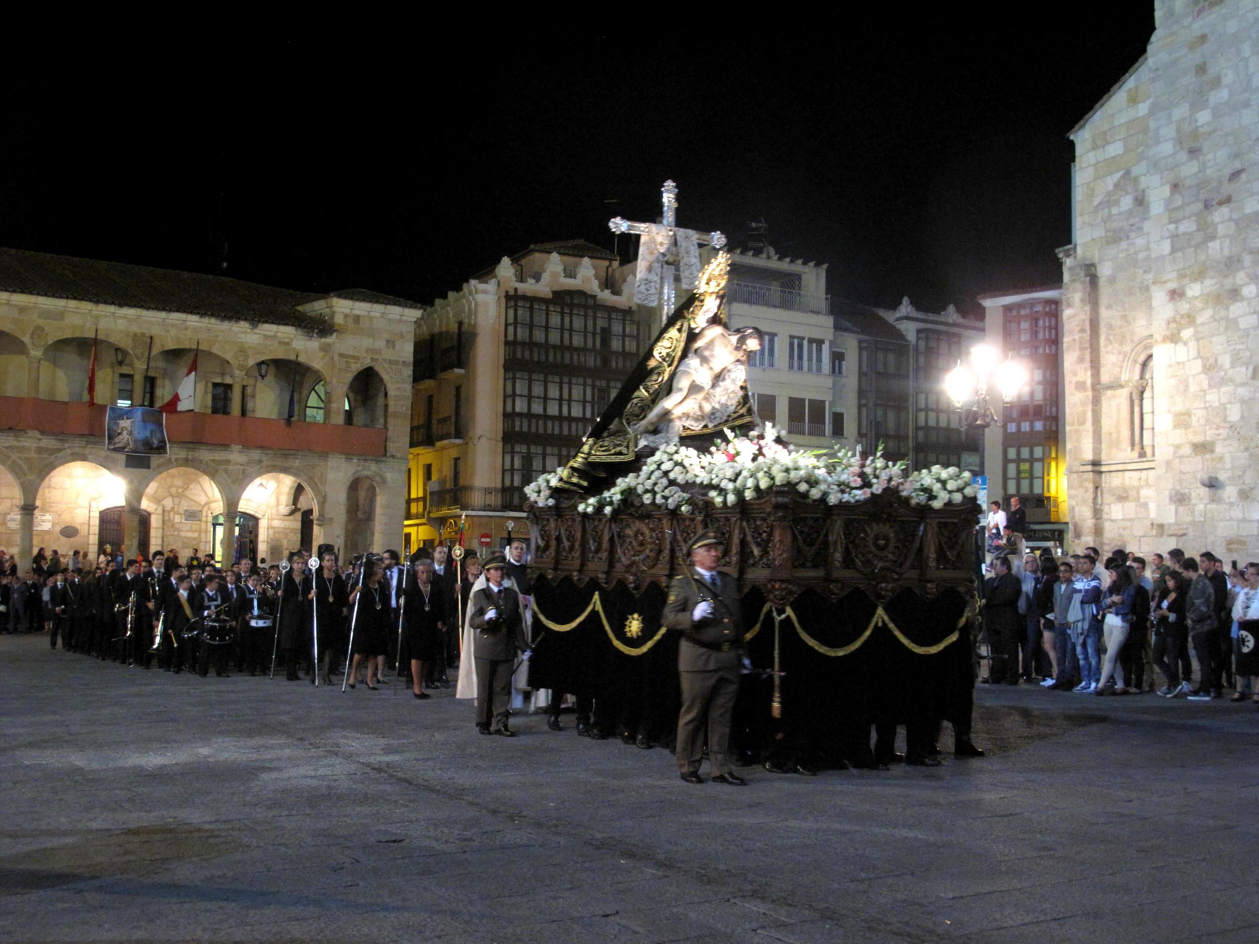 Resultado de imagen de COFRADÍA DE NUESTRA MADRE DE LAS ANGUSTIAS DE ZAMORA