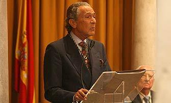 Antonio Gala, durante el discurso de ingreso en la Real Academia como Académico de Honor. / Álvaro Carmona.