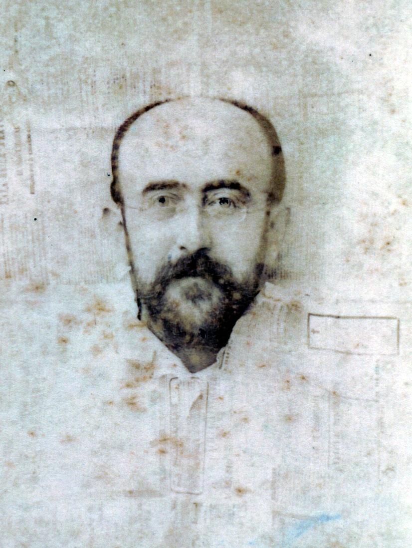 El abogado del Estado, músico, escritor y poeta Luis Cánovas Martínez. / FOTO: Darblade