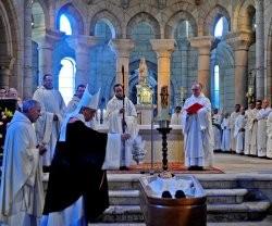 22863_funerales_del_anciano_monje_cisterciense_en_el_monasterio_de_oseira