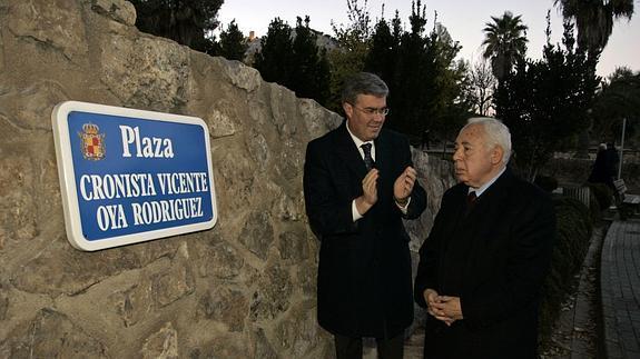 Vicente Oya recibirá el título de miembro de honor de la Real Asociación Española de Cronistas. / IDEAL