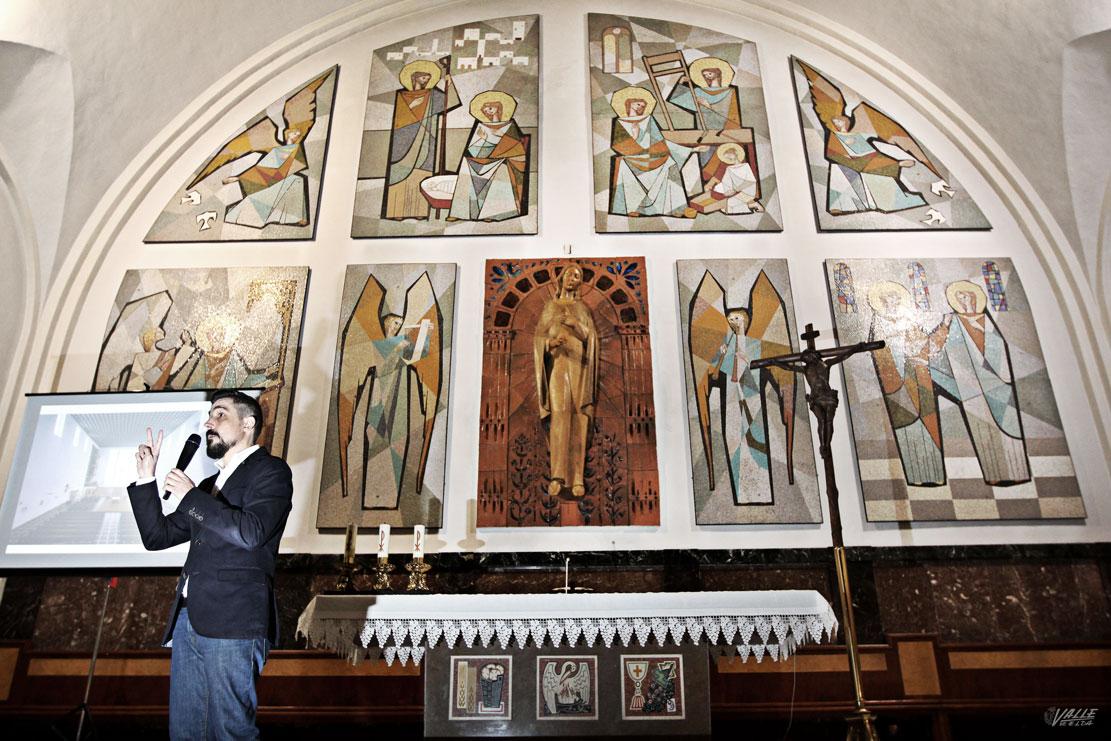 López describió las singularidades del retablo, a sus espaldas / Jesús Cruces.