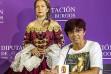 Beonza con la protagonista de la obra, caracterizada como María Luisa. - S. O.