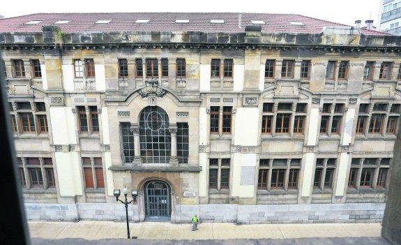 El edificio de la antigua escuela de comercio de gij n albergar la biblioteca donada por los - Bauen empresa constructora ...