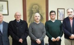 La nueva junta directiva con el alcalde de Novelda.