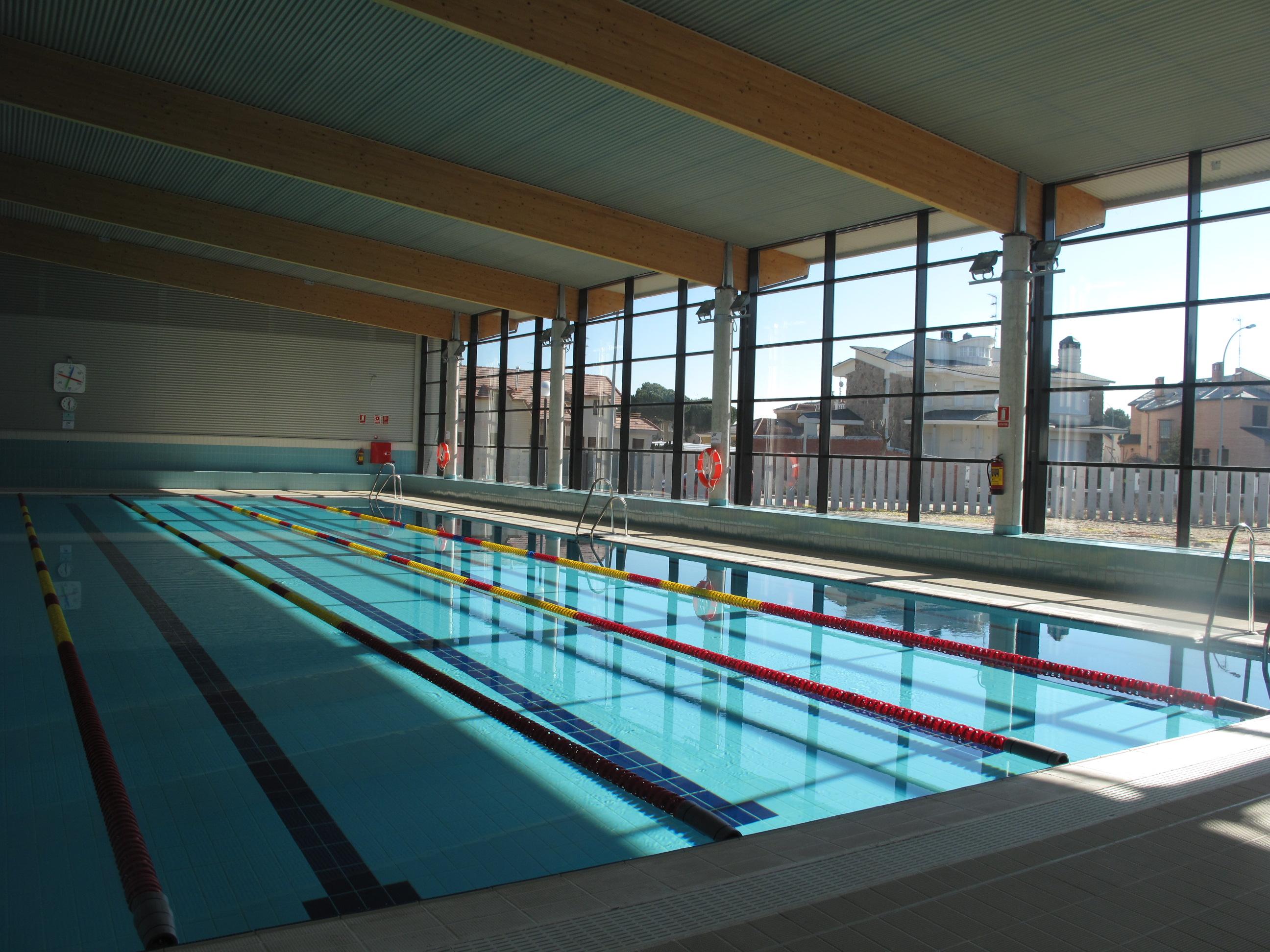 Desde mi torre mud la piscina cubierta qu gozada for Piscina municipal avila