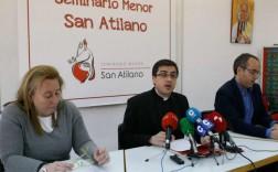 En el centro, el rector del Seminario, Florentino Pérez. / Foto Javier de la Fuente
