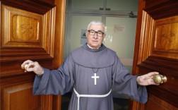 Isidoro Macías, padre Patera, es uno de los galardonados con la Fiambrera de Plata. - Foto: SÁNCHEZ MORENO
