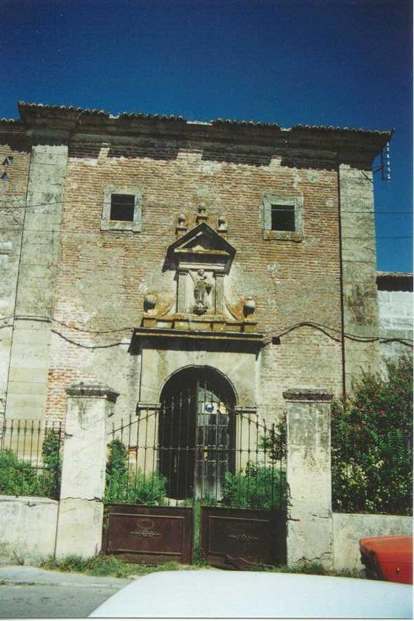 Fachada de la iglesia conventual, antes de las obras, 1995.
